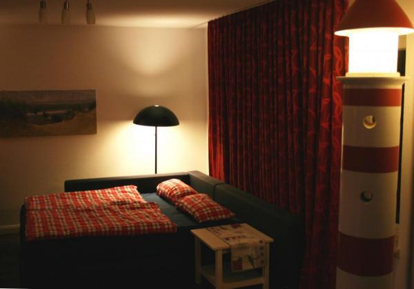 Das Boxspring-Sofa zum Bett umgebaut